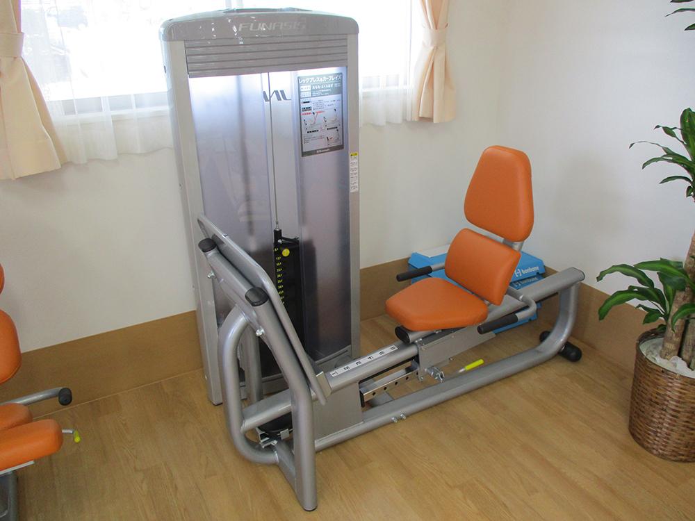筋力トレーニングマシン02
