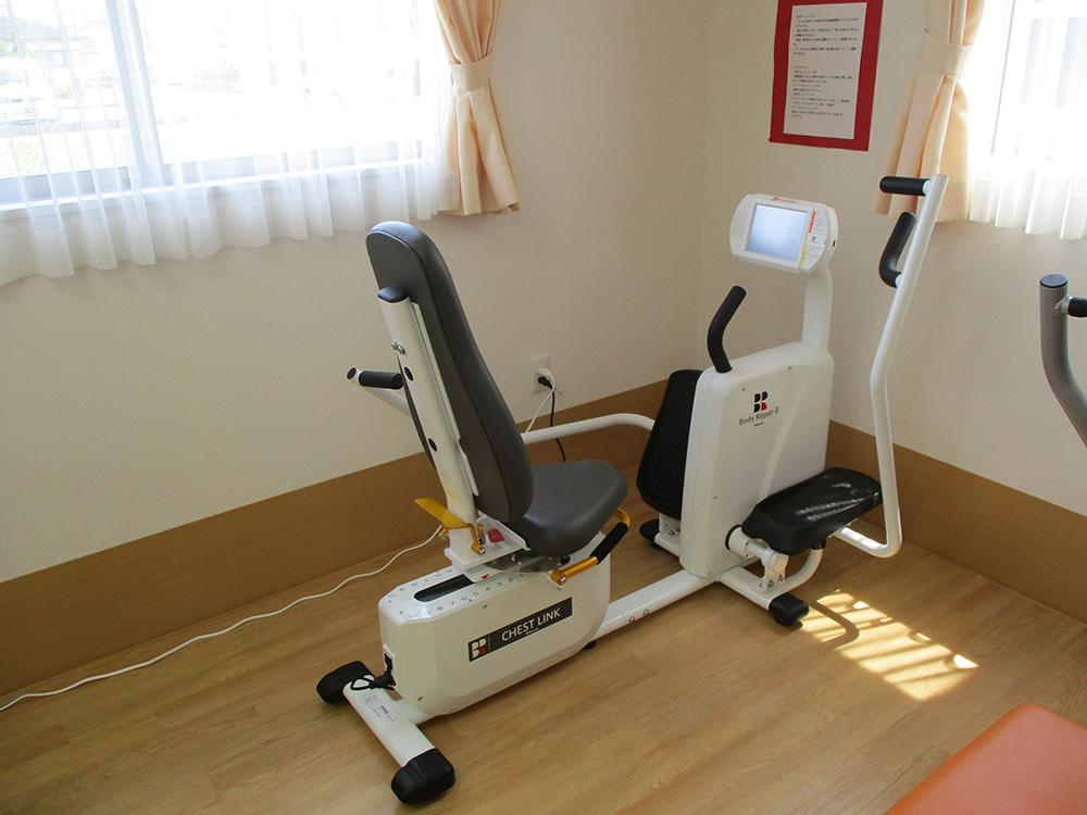 筋力トレーニングマシン04