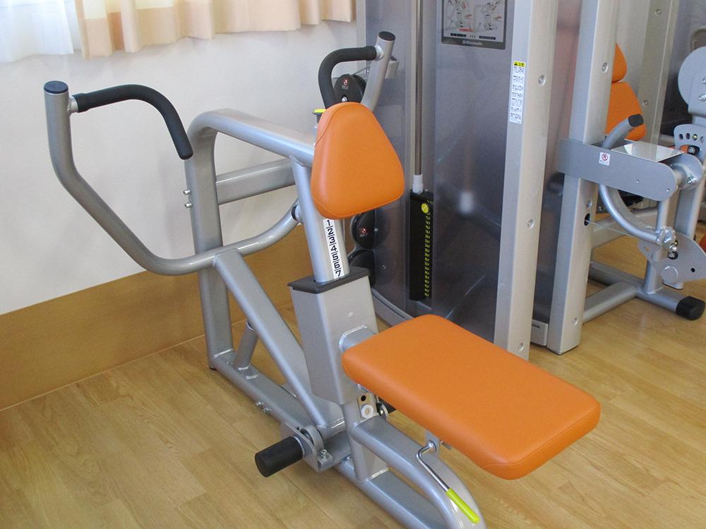筋力トレーニングマシン05